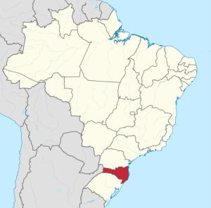 Camila Porto é natural de Três Barras, uma cidade do estado de Santa Catarina, assinalado no mapa a vermelho